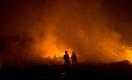 Пожар на месторождении Каламкас: люди и техника не могут подобраться к источнику огня