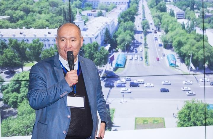 Алмасхан Ахмеджанов