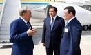 Назарбаев: Нет надобности ловить китов, можно обойтись уловом и креветок