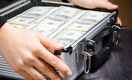 Везёте в Россию $100 тысяч? О происхождении денег придется рассказать