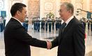«Я казах, но кыргыз мне родня». Новый президент Кыргызстана приехал в Казахстан