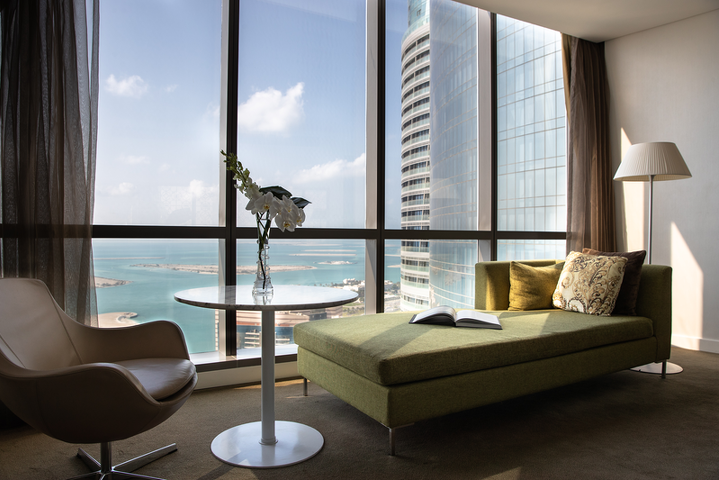 В номере Jumeirah at Etihad Towers