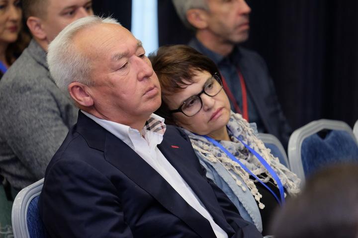Сейтказы Матаев и Оксана Макушина