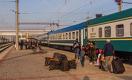Россия хочет ввозить узбекских мигрантов на чартерных поездах через Казахстан