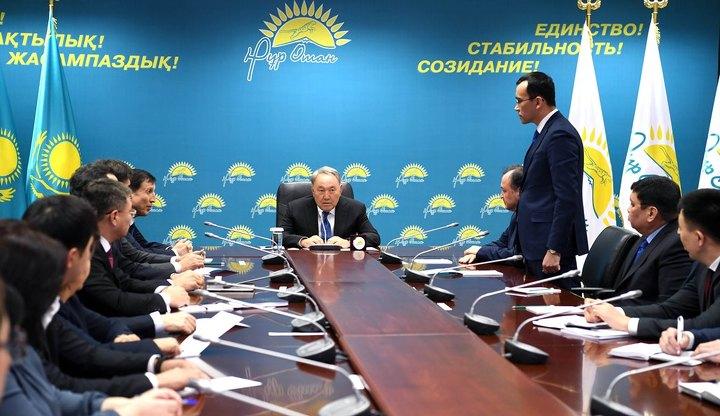 Назарбаев освободил Кул-Мухаммеда отдолжности в«Нур Отан»