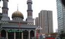 Тревожные изображения из Синьцзяна: пустые мечети и халяльные знаки, сорванные с ресторанов