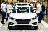 Why did Nurlan Smagulov decide to build the Hyundai plant in Kazakhstan?