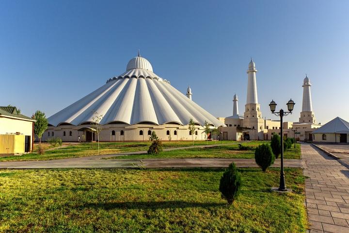 Мечеть имени Шейха Халифа Бен Заид Аль Нахаян  в Шымкенте